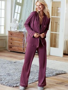 Victoria's Secret: Up to 40% Off Select Sleepwear