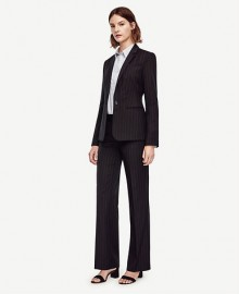 Ann Taylor: 30% Off Full Price Suits & Blouses