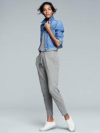 Gap: 40% Off Sitewide
