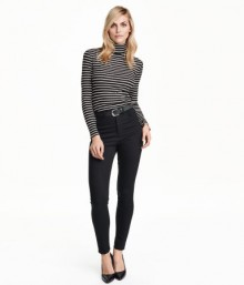 H&M: 30% Off Pants & Free Shipping Today!