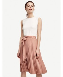 Ann Taylor: 40% Off Wear-Now Styles