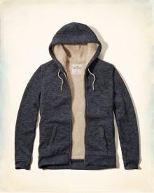 Hollister: Up to 70% Off All Clearance Items
