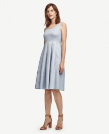Ann Taylor: 40% Off Full-Price Dress & Tops