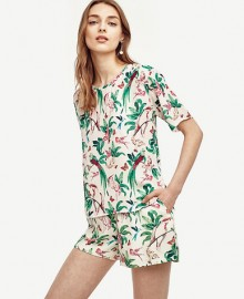 Ann Taylor: 40% Off Tops, Shorts & Skirts