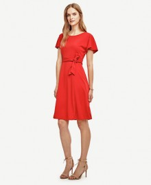 Ann Taylor: 40% Off Full Price & Extra 60% Off Sale Items