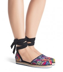 Stuart Weitzman: Up To 50% Off Purchase