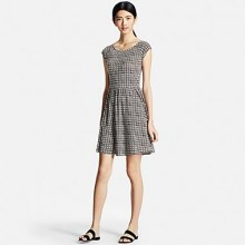 Uniqlo: $10 Off Dresses & Jumpsuits and Free Shipping