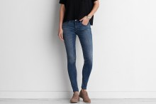 American Eagle: Up to 35% off Jeans