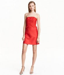 H&M: 50 Dresses 50% Off – Online Only