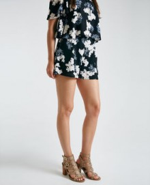 Wet Seal: Up To 60% OFF Select Items